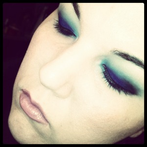 blue smokey look