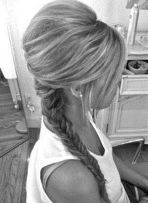 Super cute hairstyle(: