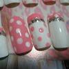 White & pink nail-art