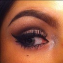 Cut crease cat eye