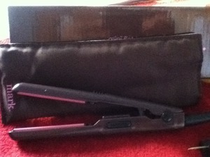 I love this mini flat iron. I'm selling it for $35 it's new.