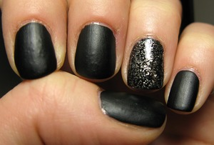 Love this velvet/matte black polish! (Accent nail: 'Knight's Armor')