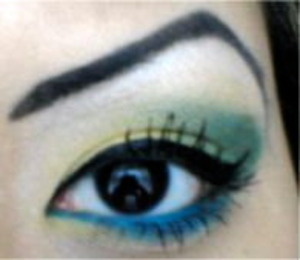 [ yellow/green e/s &blue eyeliner<3 ]