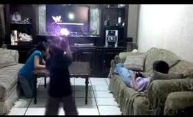 Mónica, Eddy, Ricky y Sarita haciendo el Harlem Shake.