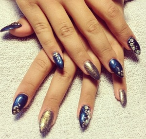 Finished my bling bling nails what do you think?:) Follow me 😘