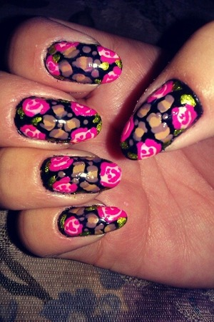 betsey inspired black nails with roses and leopard print!