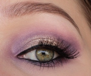 I used the sleek vintage romance palette. http://instagram.com/makeupbyeline