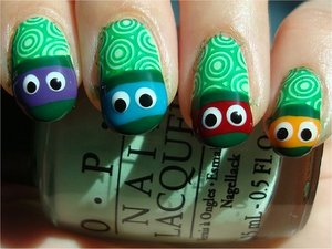 Nail tutorial & more photos here: http://www.swatchandlearn.com/nail-art-tutorial-teenage-mutant-ninja-turtle-nails/