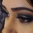 Smokey eye ft glitter