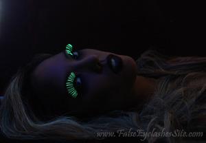 Using Elegant Lashes G234 Glow Stixx glow in the dark lashes for this look (also Elegant Lashes #003 Black and #502 Black under lashes). Amazing quality lashes that glow in the dark and under black light! Read full post here: http://blog.falseeyelashessite.com/glam-zombie-halloween-look/