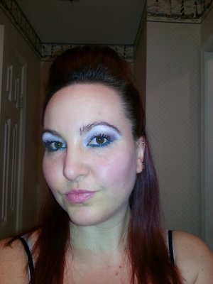 Natural eye with green under eye liner from Avon