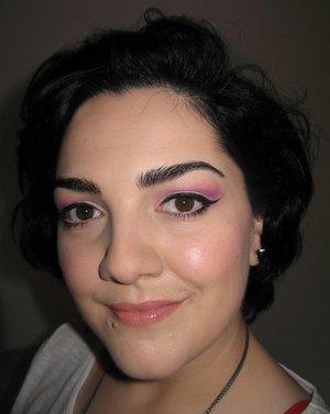 Pink shadows + nude lips ;)