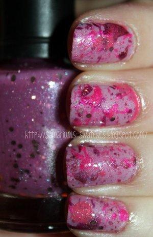 pinksplattermani  http://samariums-swatches.blogspot.com/2011/07/my-first-ever-splatter-mani-for-pink.html