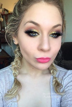 This is just a full faced makeup look of my previous up close image (:     http://theyeballqueen.blogspot.com/2015/12/glittery-sunset-eyes-makeup-tutorial.html