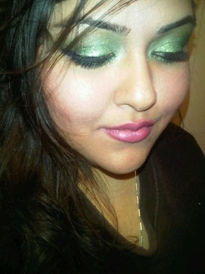 bright pinks on the lips are playful with green lids ! I did use a green glitter liner here !