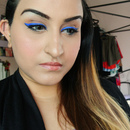 POP O BLUE- Winged eyeliner (STILA)