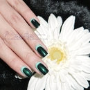 Green Slim Silhouette Nails