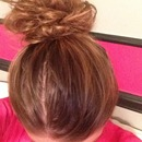 Cute messy bun (easy too:)