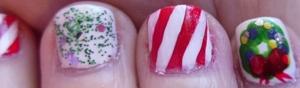 http://beautybesties.wordpress.com/2011/11/27/diy-christmas-wreath-nail-art/018