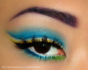 really didn't know what to name this look.... just wanted to play around with some colours and shapes (: