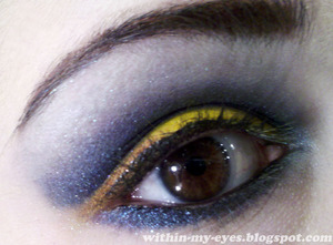 http://within-my-eyes.blogspot.com/2012/01/blue-iris.html