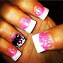 Kitty accent nail.