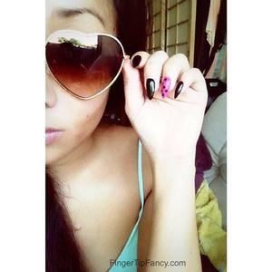 DETAILS HERE:  http://fingertipfancy.com/black-pink-polka-dot-nails