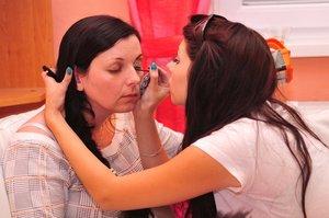 I do make-up my mama :)