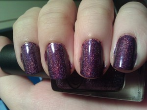 Ooh, I love me some holographics! You have no idea how big of a nail junkie I am. Ahaha. The formula on this is easy enough to work with. It's not too thick or too thin. It's not super sheer either, complete opacity is not hard to achieve and the holo on this is strong! I love it. If you're a holo lover or just getting into holo, this is a must-have.