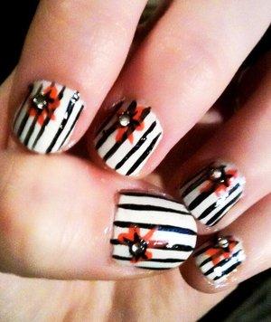 Burtonesque christmas nails