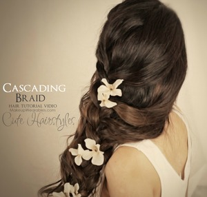 Learn how to make a romantic, side-swept, cascading French braid on yourself, for medium, or long hair.     The perfect prom, beach, or wedding hair.  Step-by-step,  hair tutorial video here - http://www.makeupwearables.com/2013/07/hair-tutorial-video-cascading-messy.html