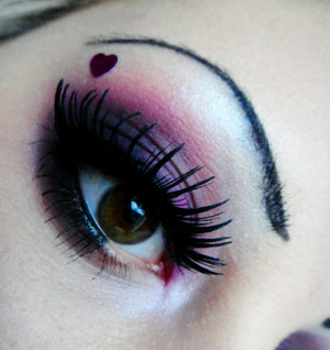 Please check uot my page: http://www.facebook.com/pages/Catherine-Falcon-Make-Up-Artist/485279978187724