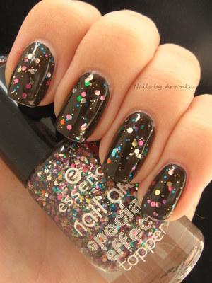 http://arvonka-nails.blogspot.sk/2012/08/essence-wanna-say-hello-circus-confetti.html