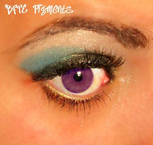Beauty From the Earth Pigments and Playing with my purple contacts