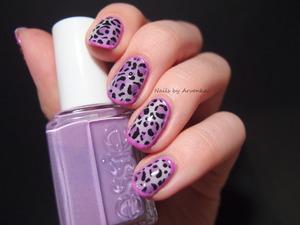 http://arvonka-nails.blogspot.com/2014/03/leopard-zo-sperkovnicky.html