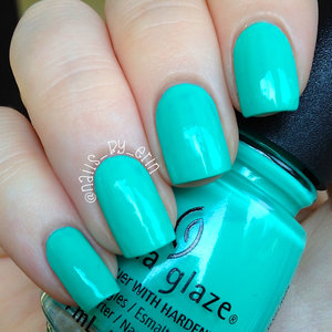 My full review of this polish can be found on my blog here: http://www.nails-by-erin.com/2014/09/china-glaze-too-yacht-to-handle-swatch.html