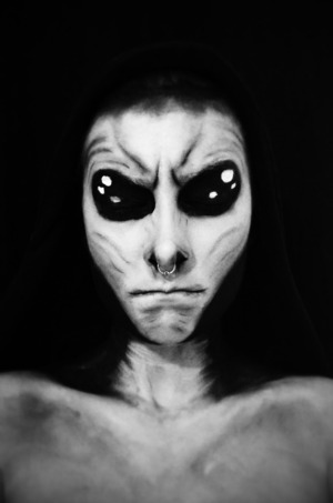 B/W filter on the previous alien look using face paint