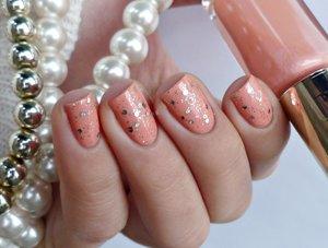 http://malykoutekkrasy.blogspot.cz/2014/12/loreal-306-sex-on-peach.html#more