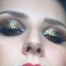 make up golden black
