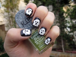 Halloween Ghost Nails