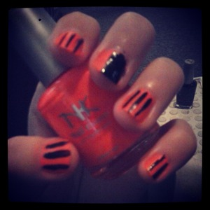 painted my nails for Halloween