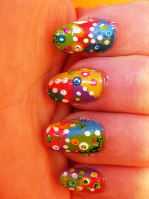 i absolutely adore this naildesign. but it's soo complex. :/
