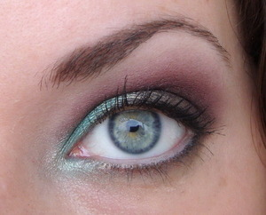 This look was made with the Sleek mediterranean palette, another stunning palette I have to say.