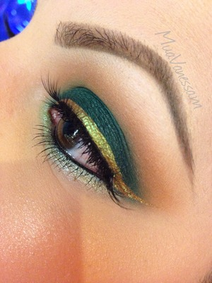 Loving this color combination #muavanessam #makeup #eyes