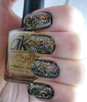 Anne Kathleen - Jaclyn Polish Yer Hooves - Cow Patty Sinful Colors - Black on Black