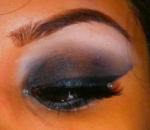 http://smokincolour.blogspot.com/2012/10/rihanna-diamonds-inspired.html