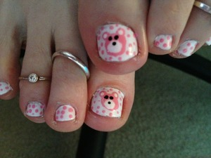 Saw this design by Polishpedia and decided to try it on my toes. I think it looks cute but I need to make a better bear :-)