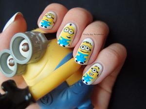http://arvonka-nails.blogspot.sk/2013/08/minion-madness.html