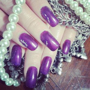 new post on my blog..products that i used for this nail on my blog http://chicroe.blogspot.it/2015/04/gel-semipermanente-purple-metallic-di.html?m=1