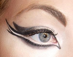 Black Swan Inspired Look